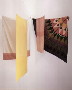 Noël Dolla, Structure à la tente d'indien, dyed cloth, towel rack, 160 by 140 by